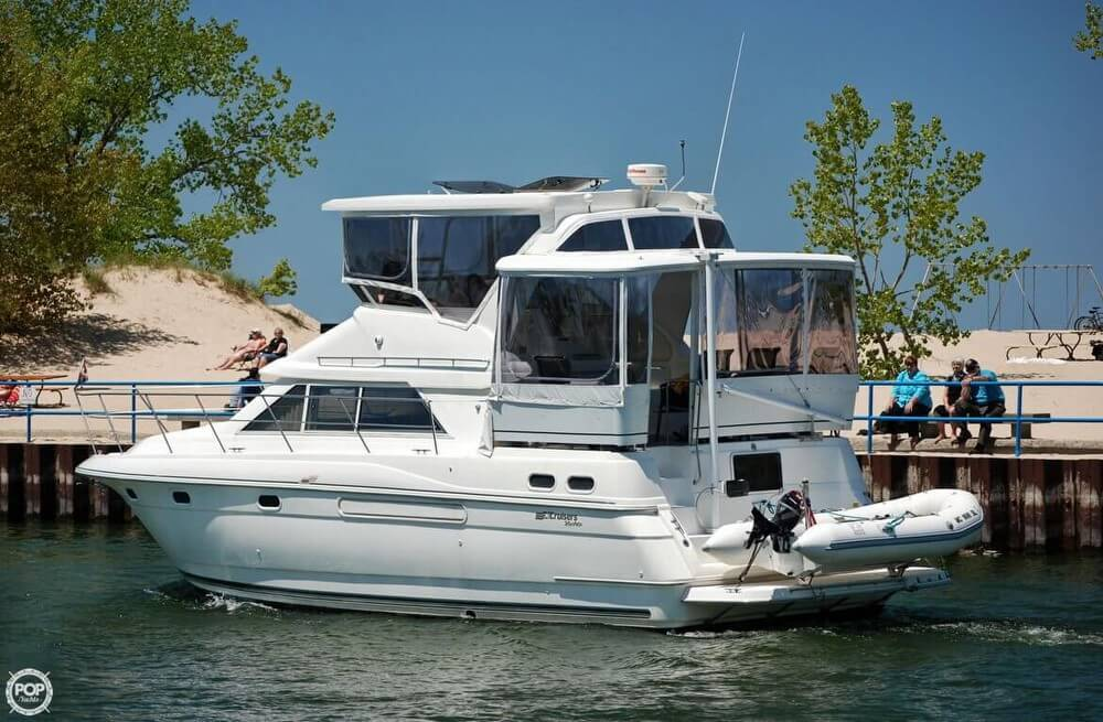Cruisers Aft Cabin 3650 1997 Cruisers Aft Cabin 3650 for sale in Holland, MI