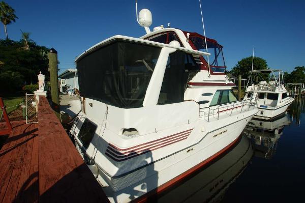 Sea Ray 410 Aft Cabin Profile