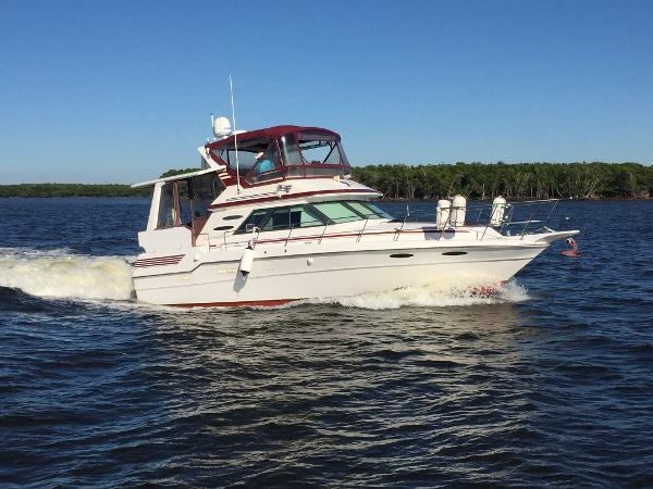 Sea Ray 410 Aft Cabin Profile