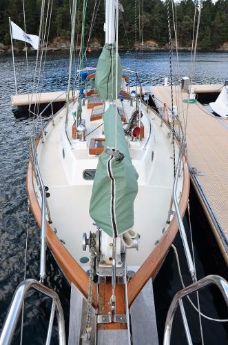 Hans Christian 43 Traditional Deck View Looking Aft