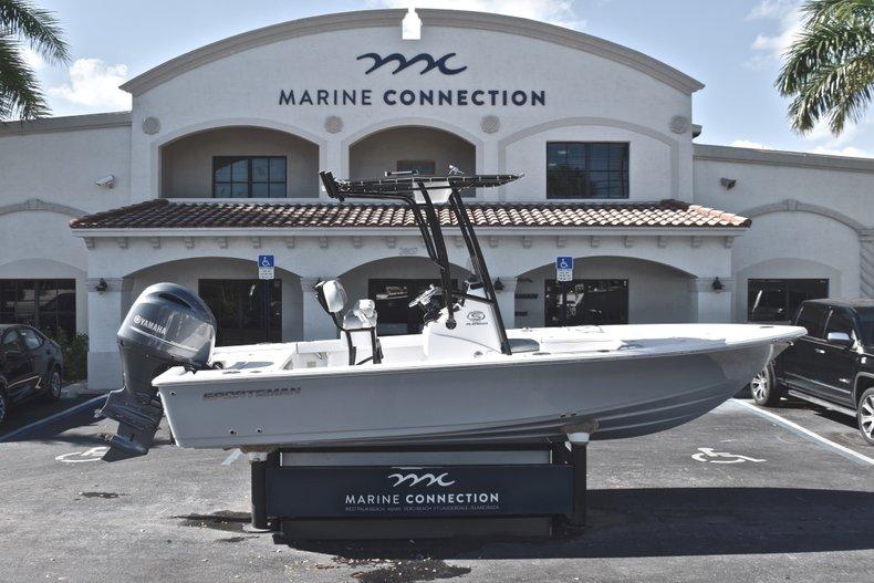 Sportsman Masters 207 Bay Boat