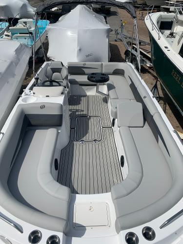 Hurricane SunDeck Sport 201 OB Hurricane SS201OB Sundeck Sport Boat For Sale Ocean House Marina