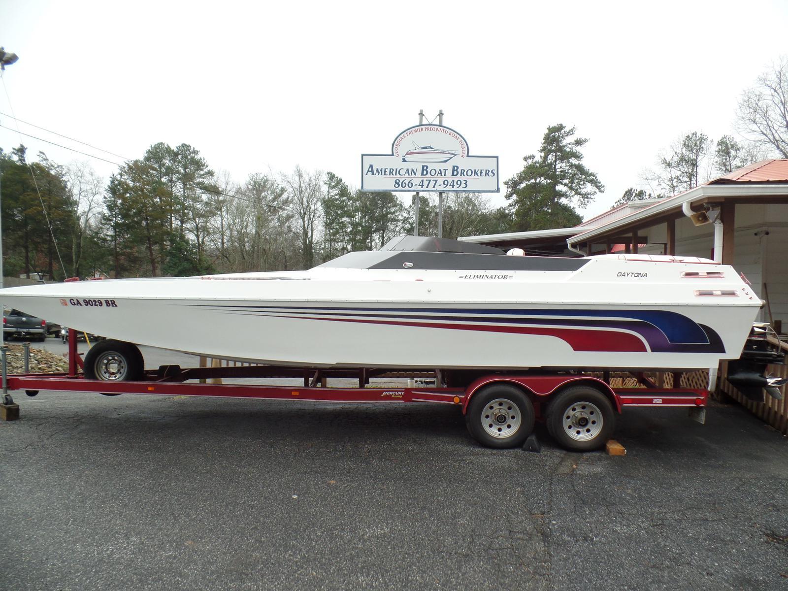 Eliminator Boats Daytona 28