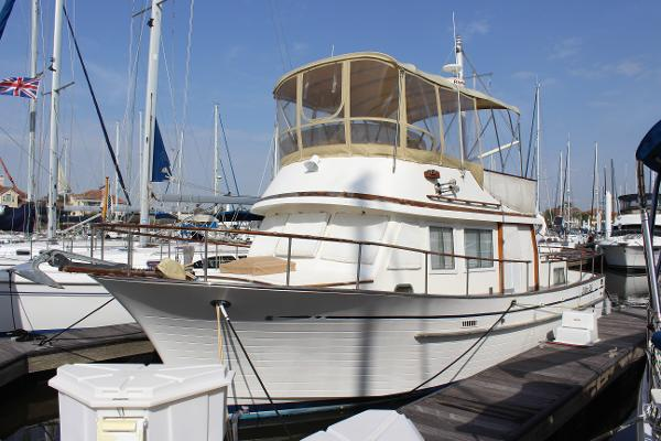 Albin 36 Trawler Port forward