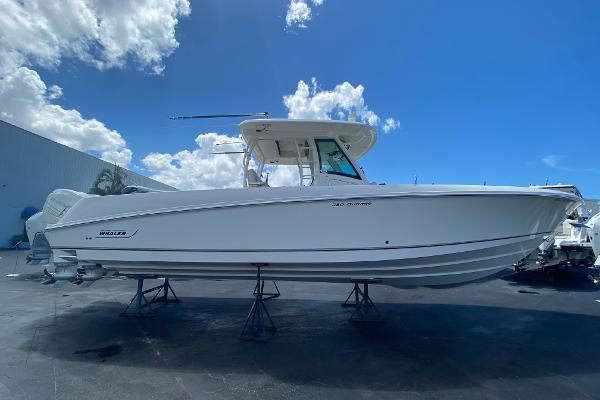 Boston Whaler 350 Outrage Profile