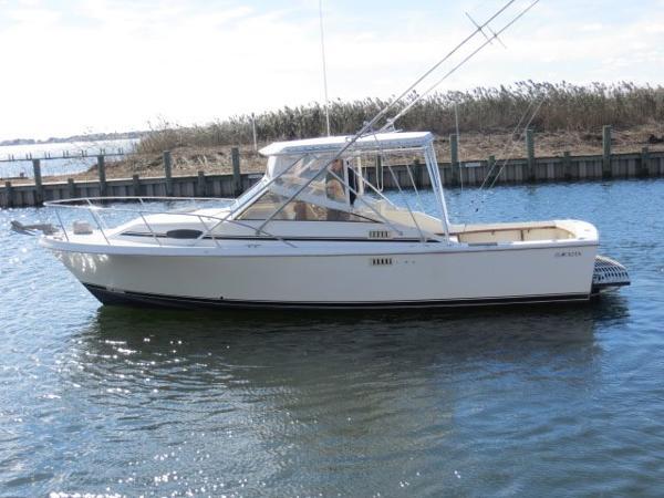 Blackfin Combi 29 Port Side