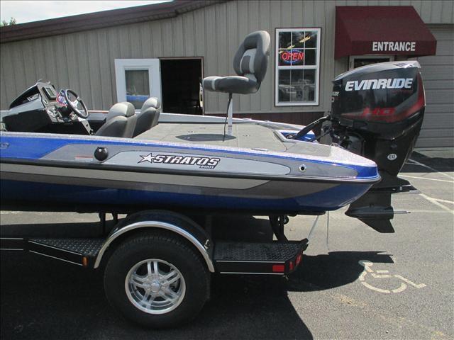 Stratos Bass Boat 189 VLO