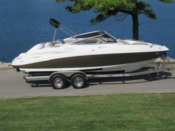 Yamaha Boats 232 Limited