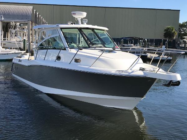Boston Whaler 345 Conquest Starboard Bow Profile