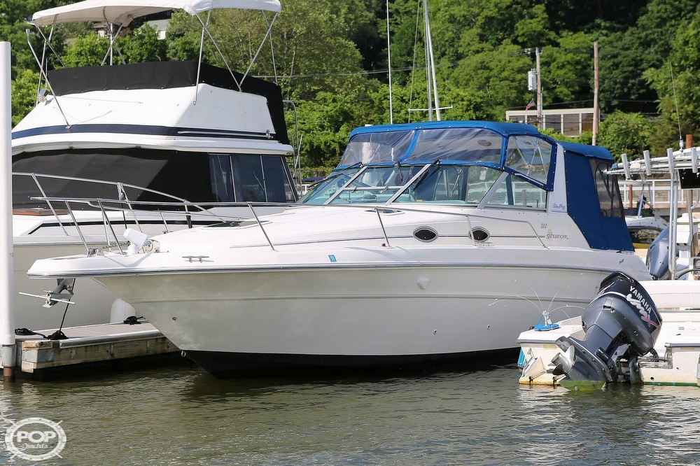 Sea Ray 300 Sundancer 1995 Sea Ray 33 for sale in Croton On Hudson, NY