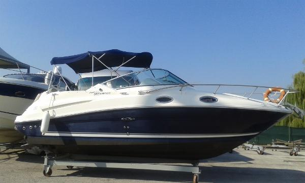 Sea Ray 245 Sundancer no targa