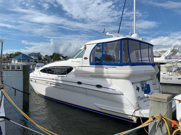 Sea Ray 480 Motor  Yacht