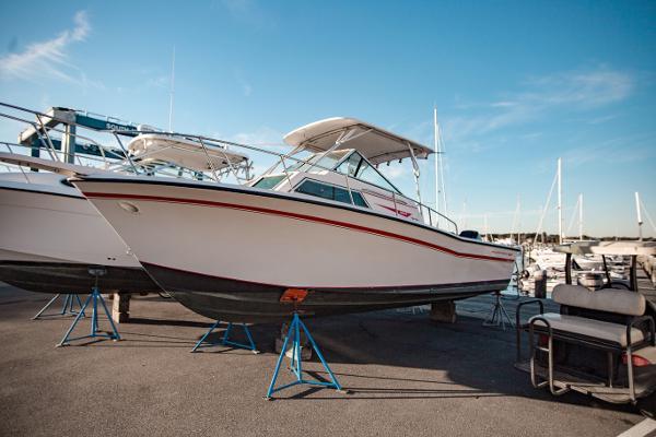 Grady-White 254 Sailfish Starboard side view