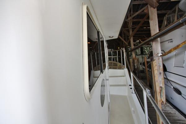 Wide Covered Sidedecks