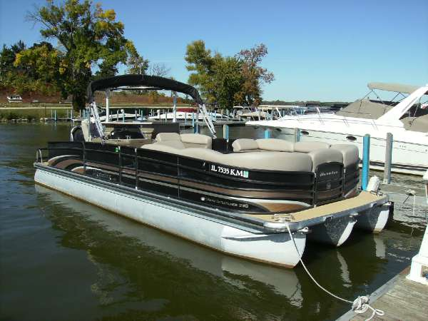 PREMIER BOATS Grand Entertainer 290
