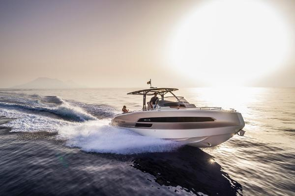 Invictus 320GT Special offer!