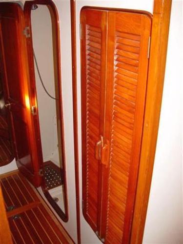 Corridor locker