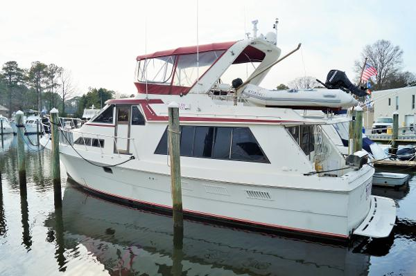 Majestic 50 PILOTHOUSE MOTORYACHT 1989 MAJESTIC 50 PILOTHOUSE PROFILE