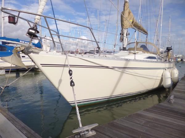 Moody 346 Bow - Port