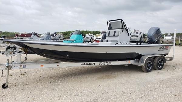 Majek Boats 25 Xtreme