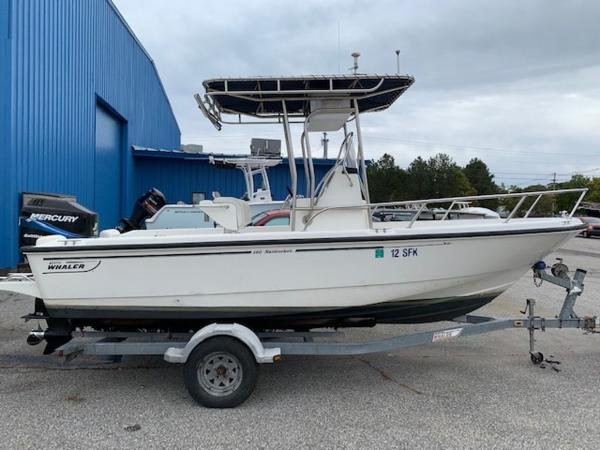 Boston Whaler 19' Nantucket
