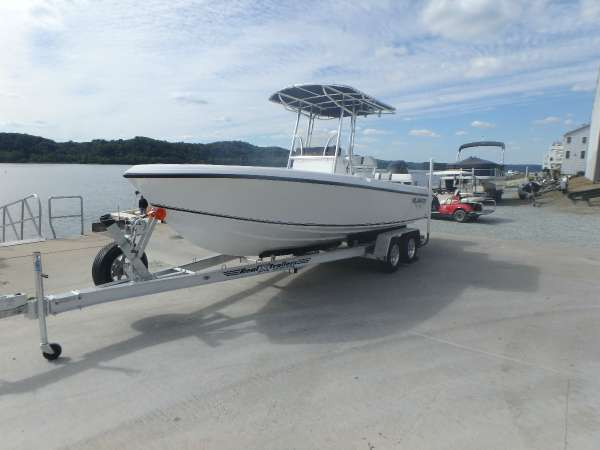 Blue Water 2150 Center Console