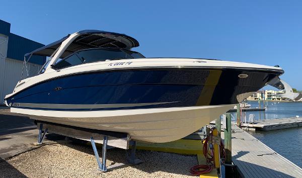 Sea Ray 270 SLX Profile