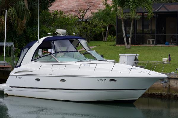 Cruisers Yachts 3672 Express