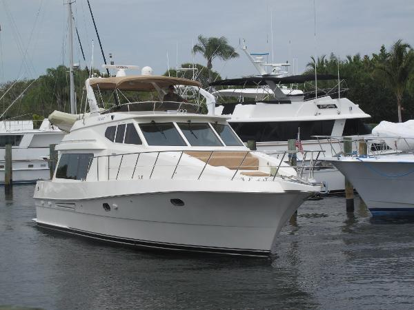 Mckinna 48 Pilothouse Starboard Bow