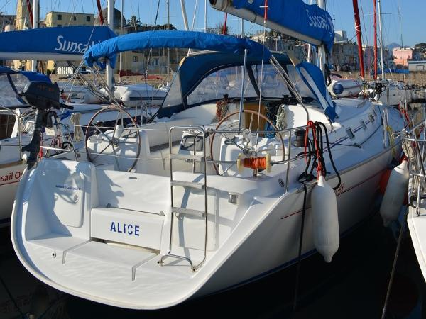 Beneteau Cyclades 43.4 Alice at dock