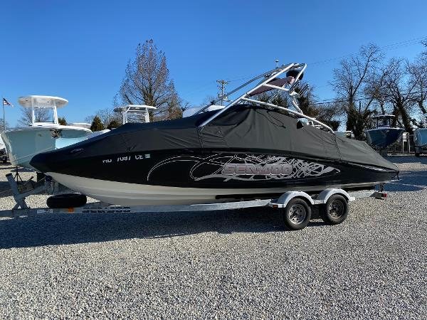 Sea-Doo Sport Boats 230 Wake