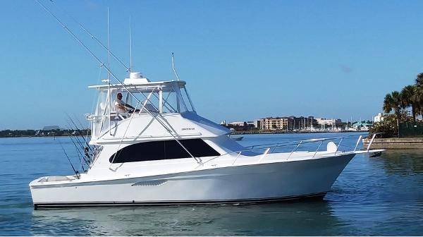 Egg Harbor 43 Sport Yacht Profile