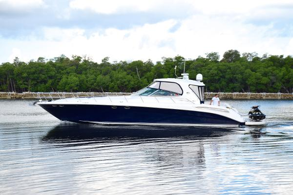 Sea Ray 550 Sundancer Profile