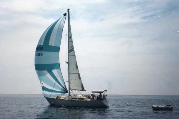 Sabre 34 MK II Sabre 34 MKII HONALEE Under Sail