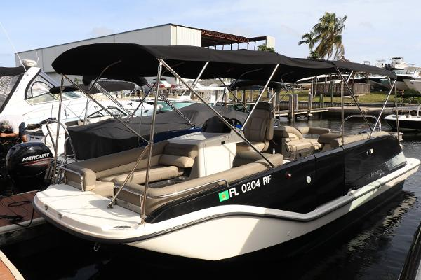 Bayliner Element XR7 2016 Bayliner XR7