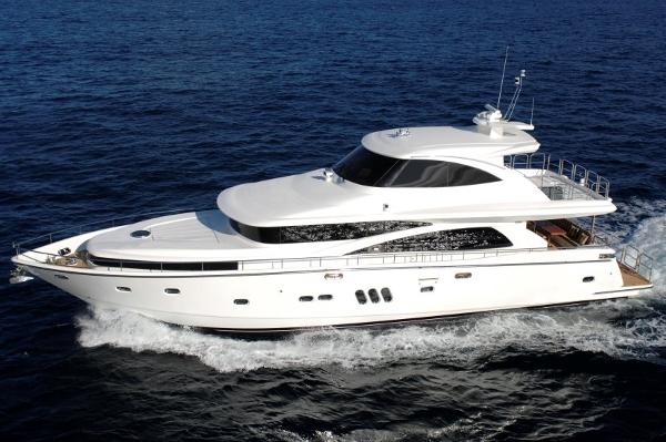 Johnson 77 Motor Yacht Sky-Lounge