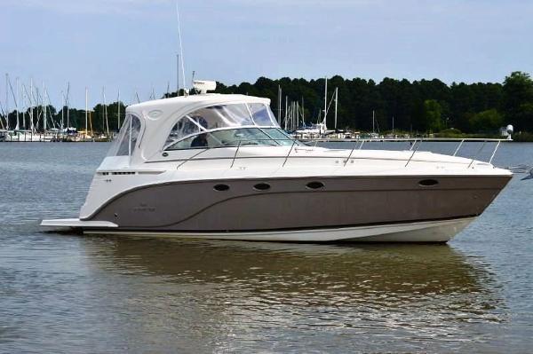 Rinker 400 Express Cruiser Starboard View