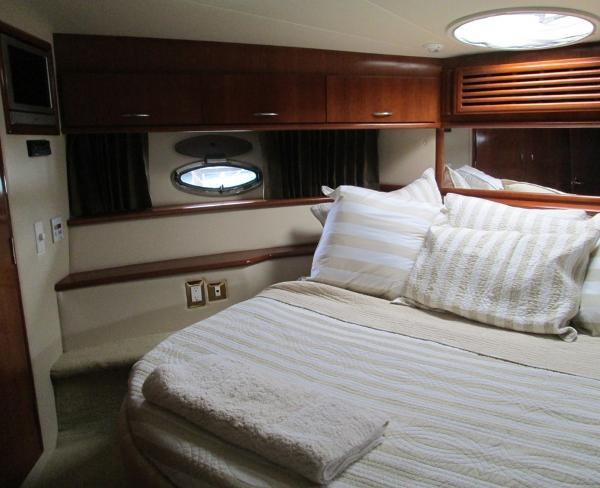 Forward Cabin with Queen Berth