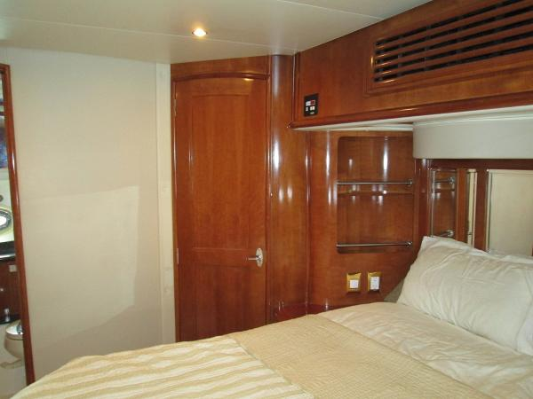 Aft Stateroom with Island Queen Berth