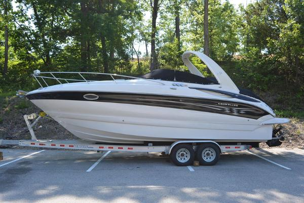 Crownline 270 CR Profile