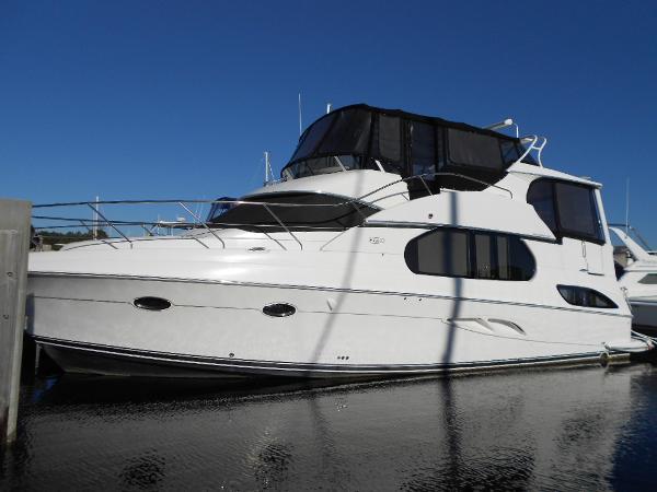Silverton Motor Yacht Port Profile