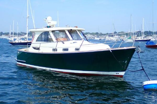 Legacy Yachts 32 Sport Express On the mooring stbd bow