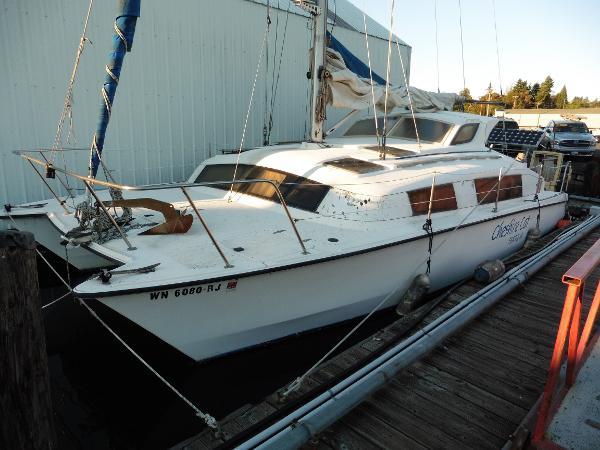 Gemini Catamaran Main Profile