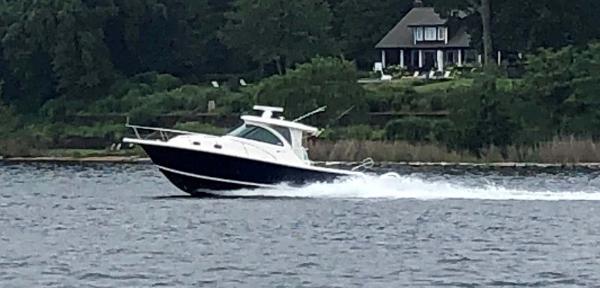 Pursuit 345 Offshore Profile