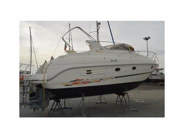 Cranchi Giada 30 Similar Boat