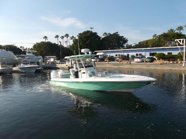 Shearwater 26 CENTER CONSOLE