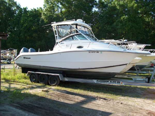 Triton 2690 WA Cuddy