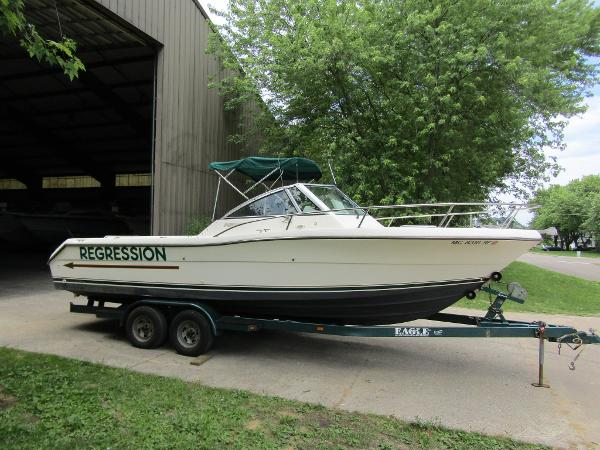 Pursuit 2460 Denali Exterior Starboard