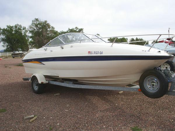 Bayliner 212 Capri Cuddy