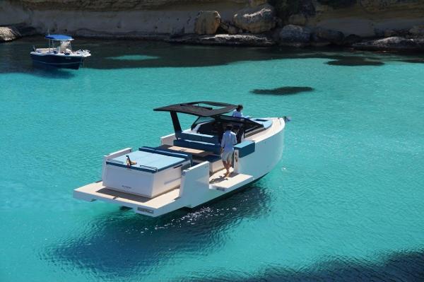 De Antonio Yachts 33 cruiser De Antonio D33 Cruiser